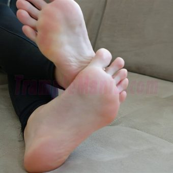013-crystal-barefoot-show.MP4.0000