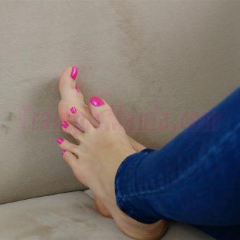 037-crystal-perfect-feet (16)