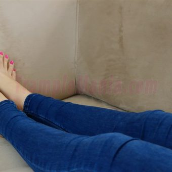 037-crystal-perfect-feet (2)