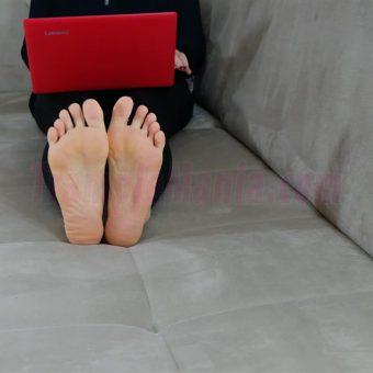 050-rachels-barefoot-show.MP4.0001