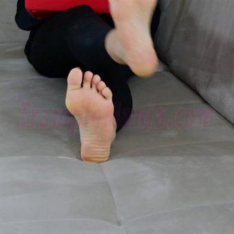 050-rachels-barefoot-show.MP4.0005