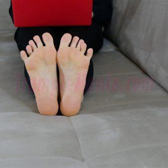 050-rachels-barefoot-show.MP4.0008