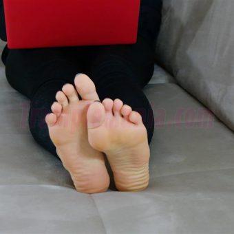 050-rachels-barefoot-show.MP4.0013
