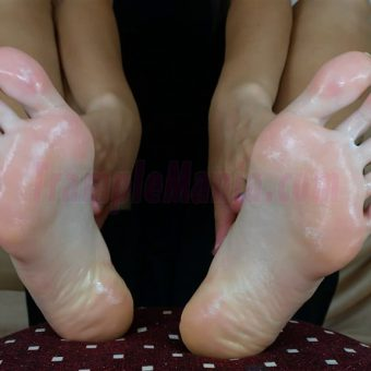 052-crystals-oily-sexy-soles.MP4.0022