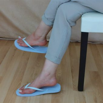 071-zelda-flip-flop-and-feet-shows.MP4.0035