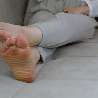 072-zelda-barefoot-soles-show.MP4.0011