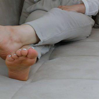 072-zelda-barefoot-soles-show.MP4.0014