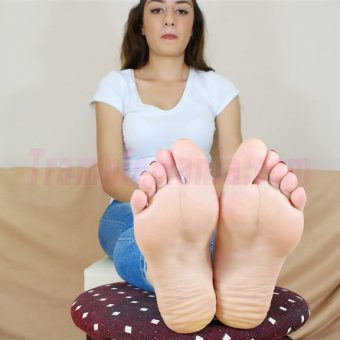 109-leah-perfect-soles.MP4.0004