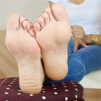 109-leah-perfect-soles.MP4.0015