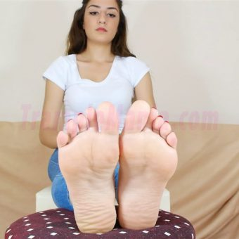 109-leah-perfect-soles.MP4.0025