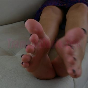 064-sexy-bare-feet-show-by-crystal.MP4.0003