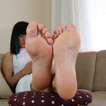 102-barbara-sexy-soles.MP4.0005