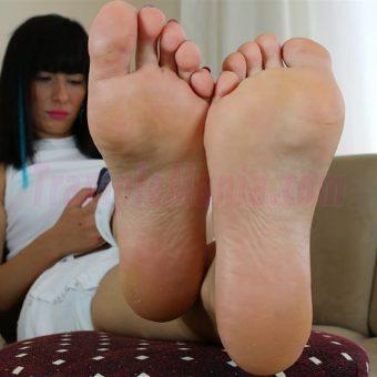 102-barbara-sexy-soles.MP4.0008