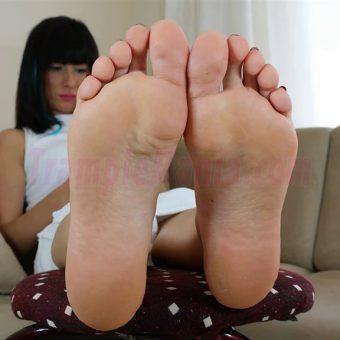 102-barbara-sexy-soles.MP4.0012