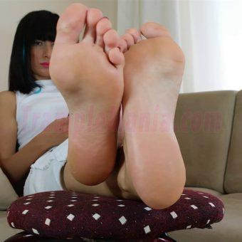 102-barbara-sexy-soles.MP4.0014