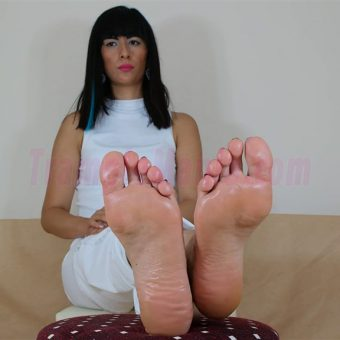 105-barbaras-high-arches-and-sexy-soles.MP4.0002