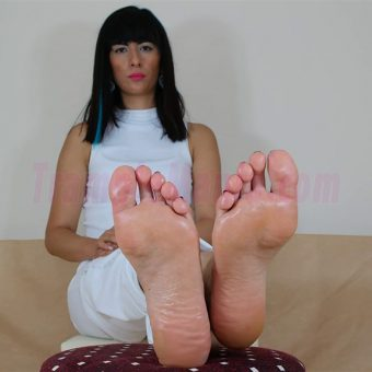 105-barbaras-high-arches-and-sexy-soles.MP4.0003
