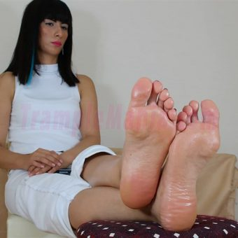 105-barbaras-high-arches-and-sexy-soles.MP4.0010