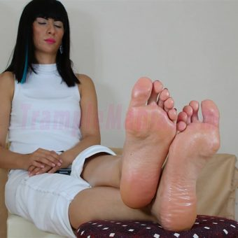 105-barbaras-high-arches-and-sexy-soles.MP4.0011