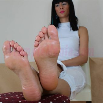 105-barbaras-high-arches-and-sexy-soles.MP4.0016