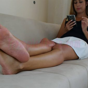 108-diana-barefoot-and-soles-show.MP4.0010
