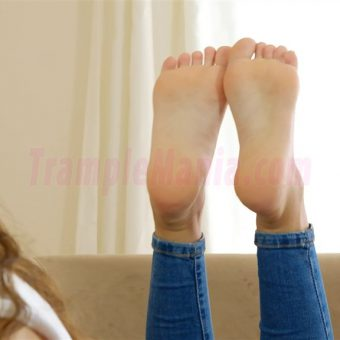 111-leahs-soles-in-the-pose.MP4.0009