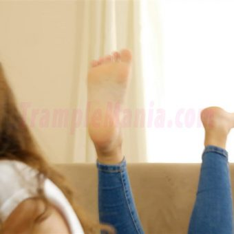 111-leahs-soles-in-the-pose.MP4.0010