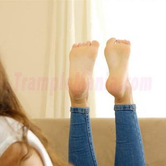 111-leahs-soles-in-the-pose.MP4.0014
