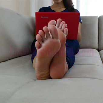 074-crystal-barefoot-perfection.MP4.0000