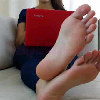 074-crystal-barefoot-perfection.MP4.0007