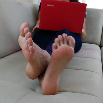 074-crystal-barefoot-perfection.MP4.0010