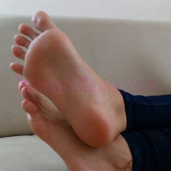 074-crystal-barefoot-perfection.MP4.0013