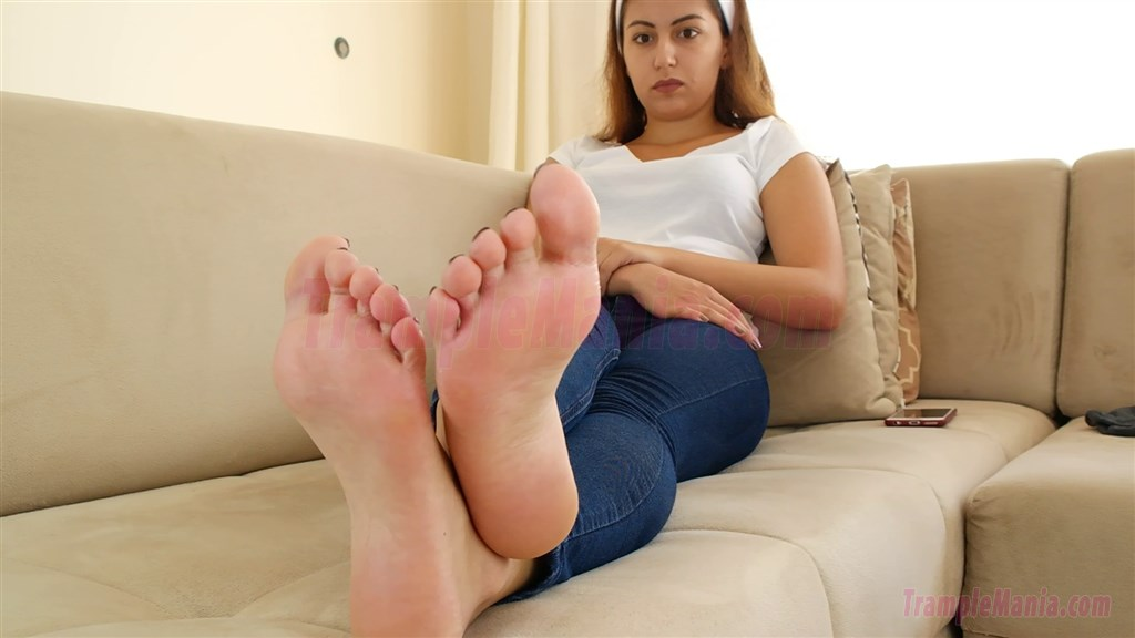 Gym foot fetish-2554
