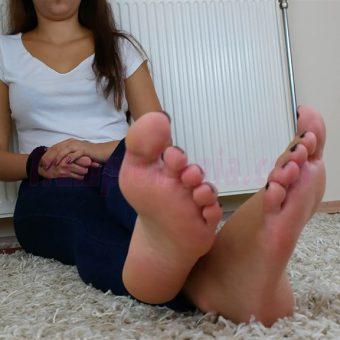 131-adelinas-feet-on-the-carpet-mp4-0015