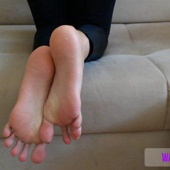 137-crystals-perfect-soles-mp4-0001