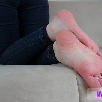 beths-meaty-sexy-soles-show.MP4.0007
